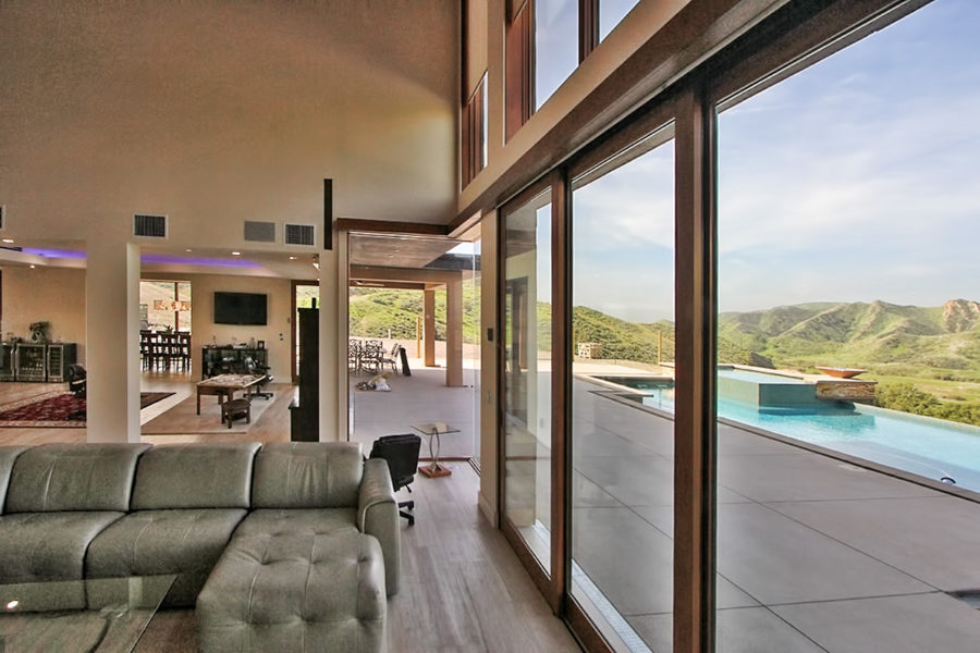 Contemporary home in the hills of Simi Valley