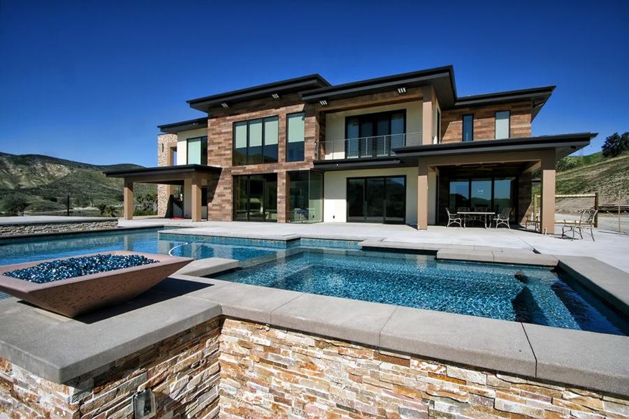 Contemporary home in Ventura County